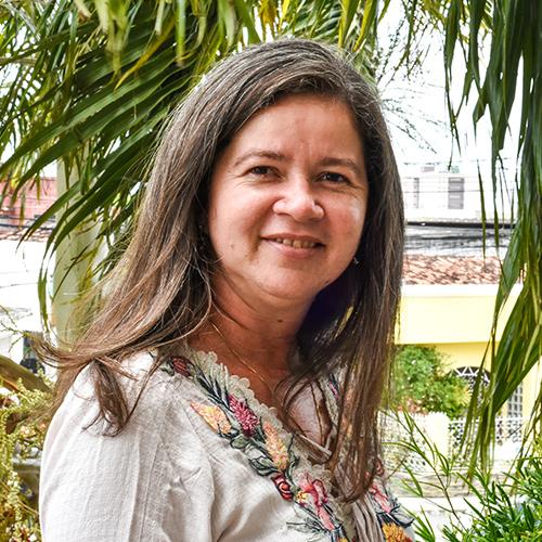 ANA CLAUDIA SANTANA DE A. TAVARES