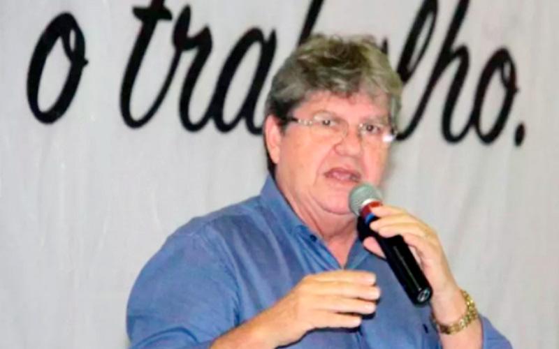 João Azevedo debate com representantes do setor  agropecuário paraibano seu plano de governo