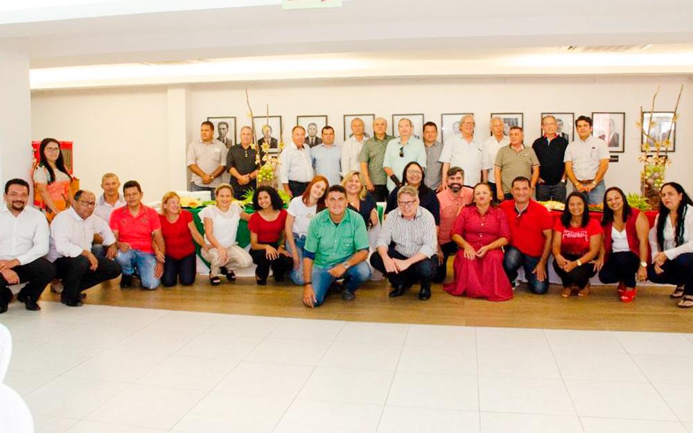 Asplan celebra mais um ano de atividades durante  confraternização com funcionários, produtores e convidados