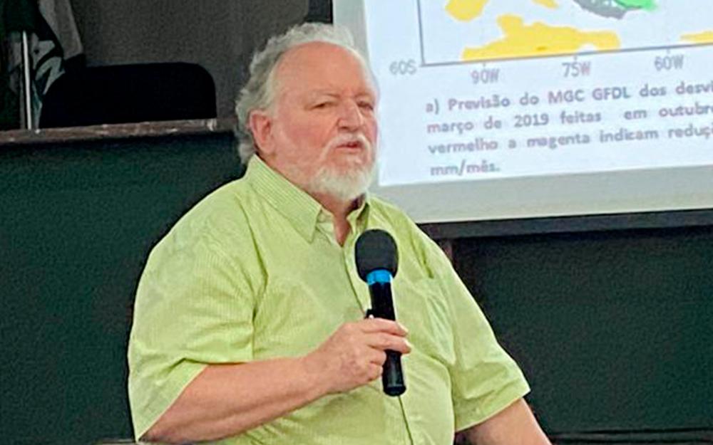 Luiz Carlos Molion dá palestra em João Pessoa e diz que 2020 será um bom ano para o agricultor paraibano